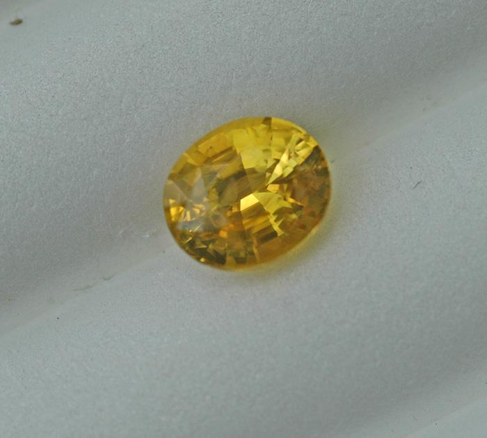 Image for AGL Natural Yellow Sapphire 2.35 carat